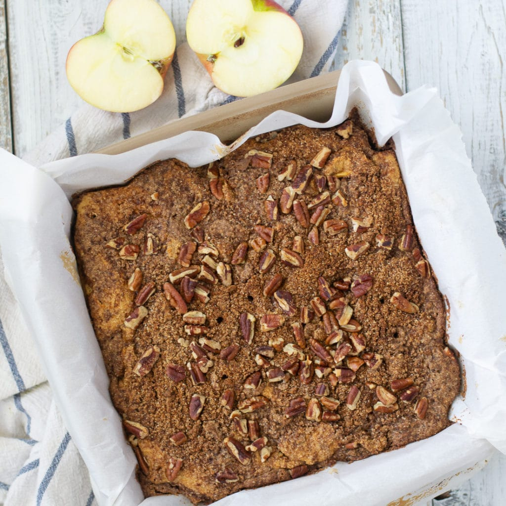 Paleo Apple Cinnamon Coffee cake is an easy brunch recipe or gluten free dessert. This refined sugar free apple coffee cake is a great healthy fall recipe that will impress any guests. #paleo #norefinedsugar #applecinnamon #glutenfreedessert #dairyfree #healthydessert #brunchrecipe