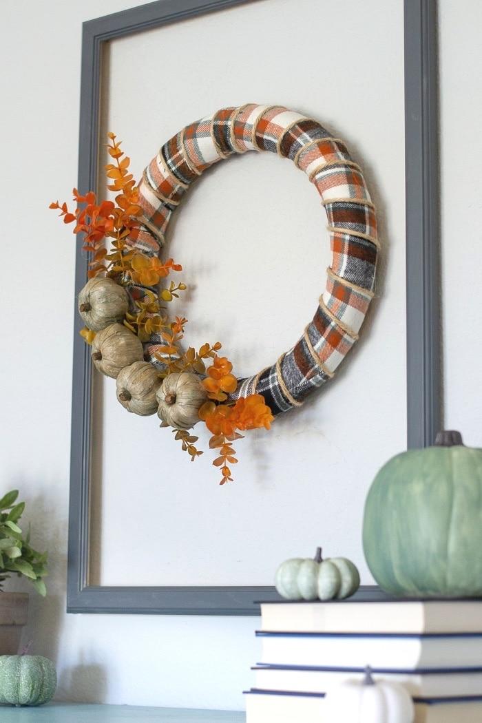 How to style a farmhouse fall wreath