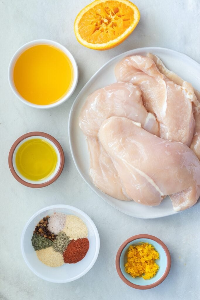 Required ingredients for healthy baked chicken breasts recipe.