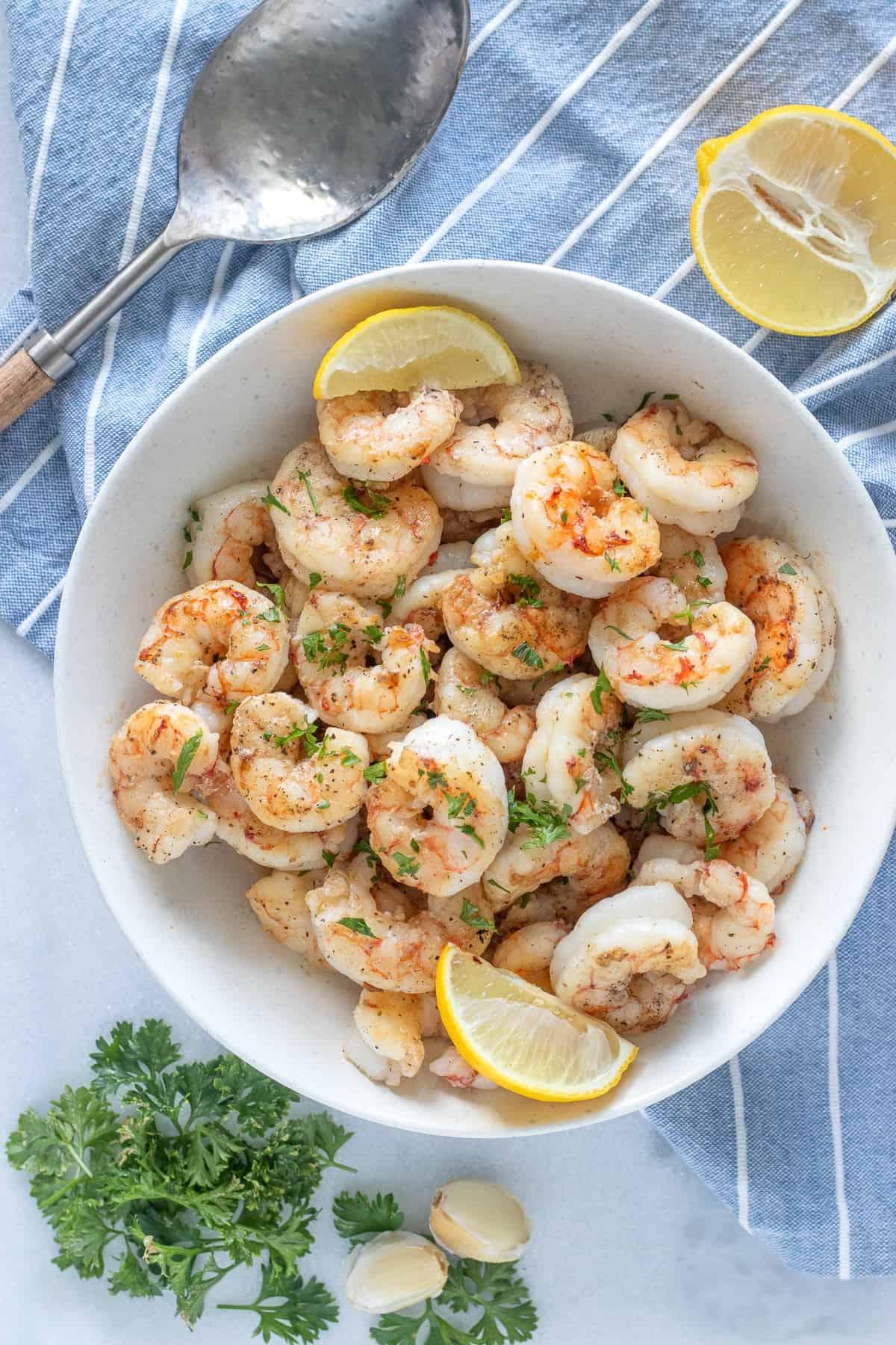 How to serve garlic sautéed shrimp
